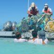 Plastik Meer Boot Reinigung